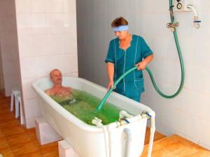 Лечебная процедура в санатории Мисхор минеральная ванна